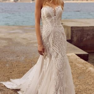 Madi Lane roza Wedding dress